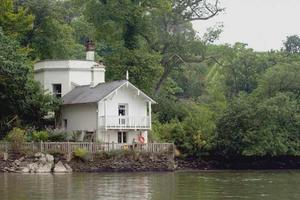 You'll be right up close to the River Dart at The Bathing House