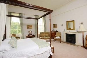 The Thomas de Sharpham bedroom